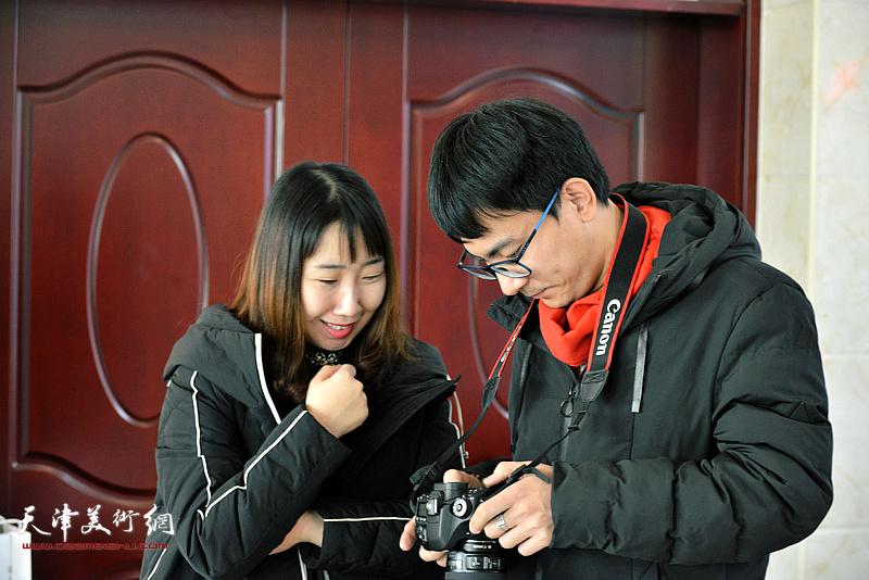陈子君、张一辰在迎新春活动现场。