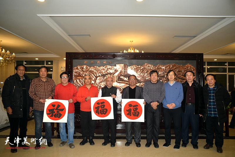 左起:孙光伟、杜晓光、卢贵友、林德谦、尹沧海、胡玉林、郭鸿春、路洪明、李岳林、赵寅在迎新春活动现场。