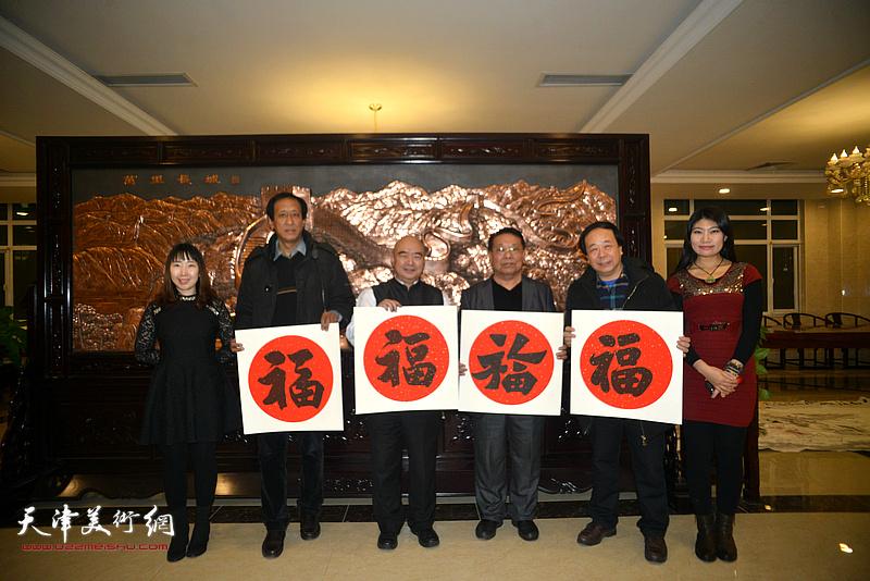 左起:陈子君、孙光伟、尹沧海、胡玉林、赵寅、任凤茗在迎新春活动现场。