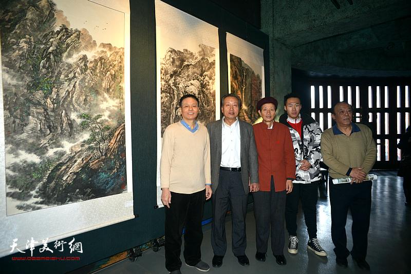 刘家城、赵同相、阎维海、岳荣祥在画展现场