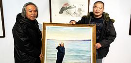 好峰尽在此境中——油画家李金玺创作霍春阳海边漫步写实油画