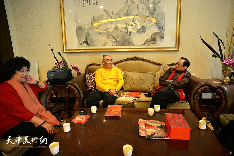 孙福海、崔莲润、林德谦在团拜现场。