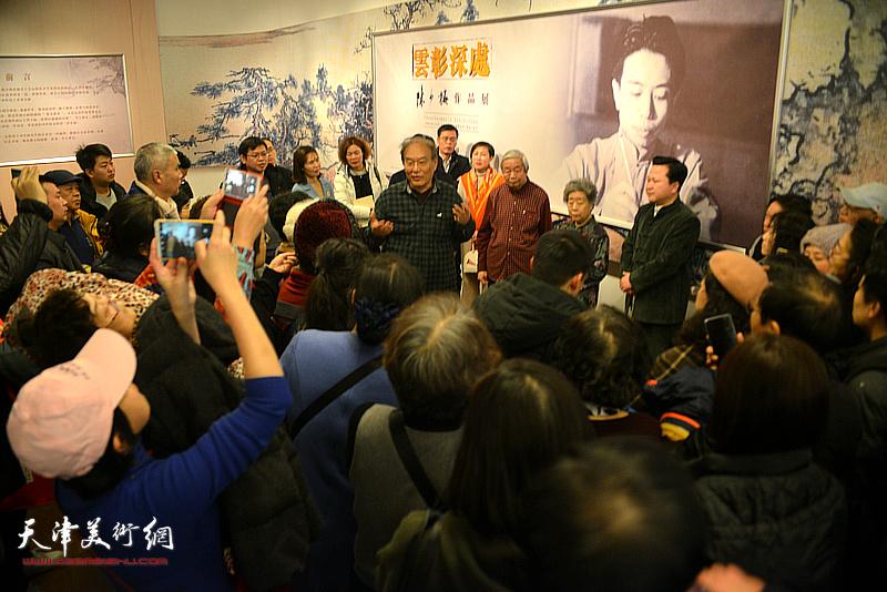 著名美术史论家、万博manbetx安卓版美术学院教授何延喆为观众解读国画大师陈少梅画艺。