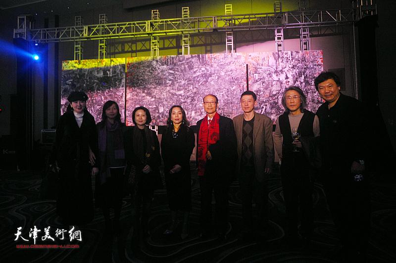 淋子、秀夫与赵均、曹雪蓉、蔡芷羚、林锦彬等嘉宾在迎春沙龙现场。