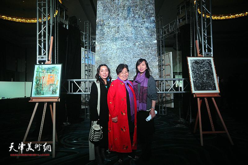 淋子与蔡芷羚等嘉宾在迎春沙龙现场。