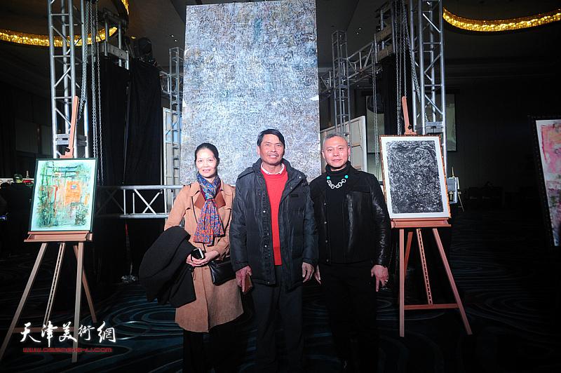 张俊国和嘉宾在迎春沙龙现场。