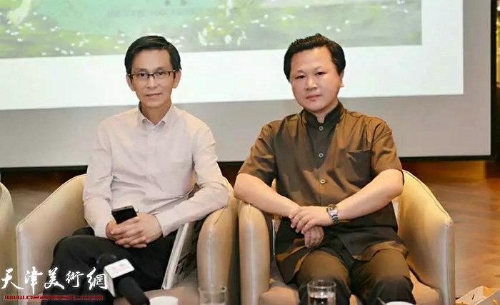 学术研讨会中的何家英先生与赵景宇先生