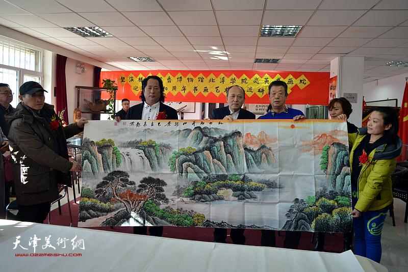 田永健、刘长龙、于万华在艺术交流研讨会现场