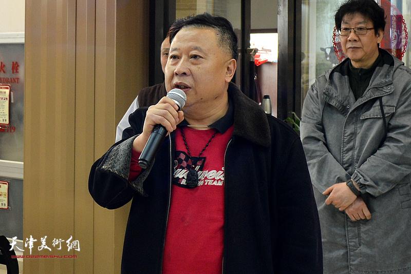 首都博物馆画院执行副院长、中国人民大学吕大江山水画工作室导师吕大江致辞。