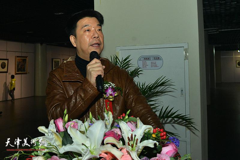 双人展开幕仪式由天津美术学院副教授王中谋主持