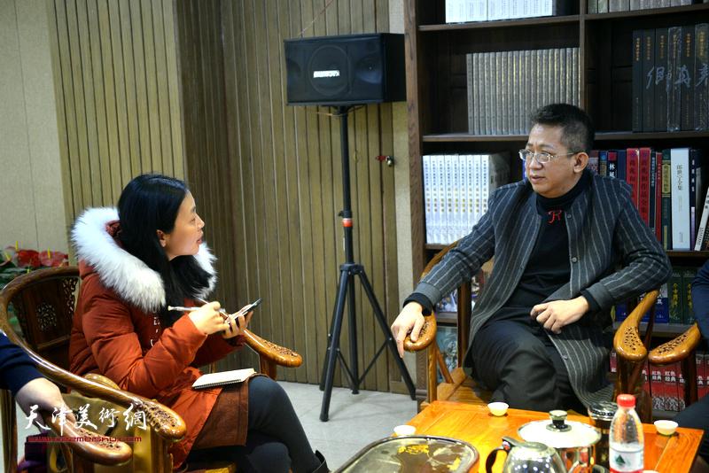 李毅峰与《师情画意》记者对话