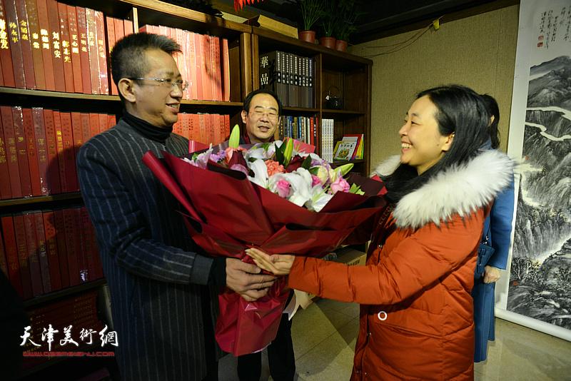 李毅峰做客《师情画意》。