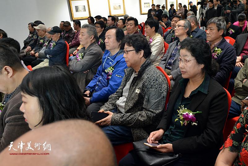 王其华、李志强、晏平、张永敬在画展开幕仪式现场。
