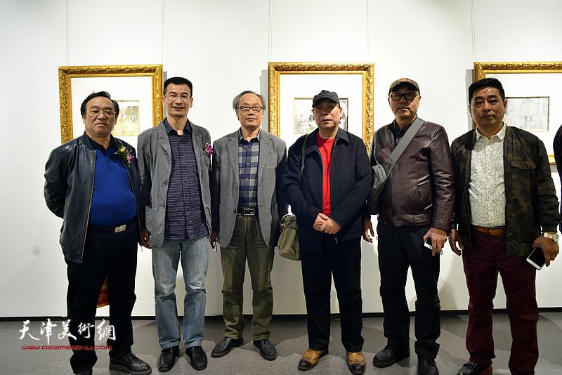 郭凤祥、陈福春、陈钢、高博、姜金军、石玉华在画展现场。