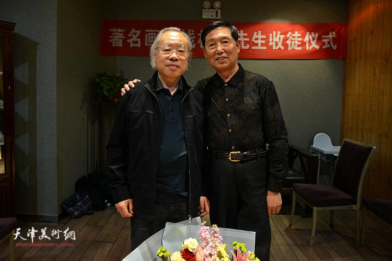 钱桂芳先生与王金厚在拜师收徒仪式现场。