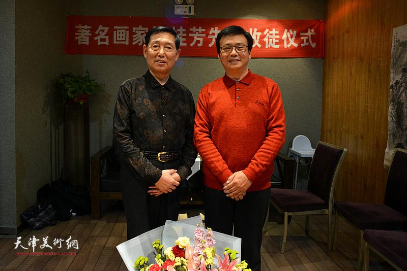 钱桂芳先生与刘波在拜师收徒仪式现场。