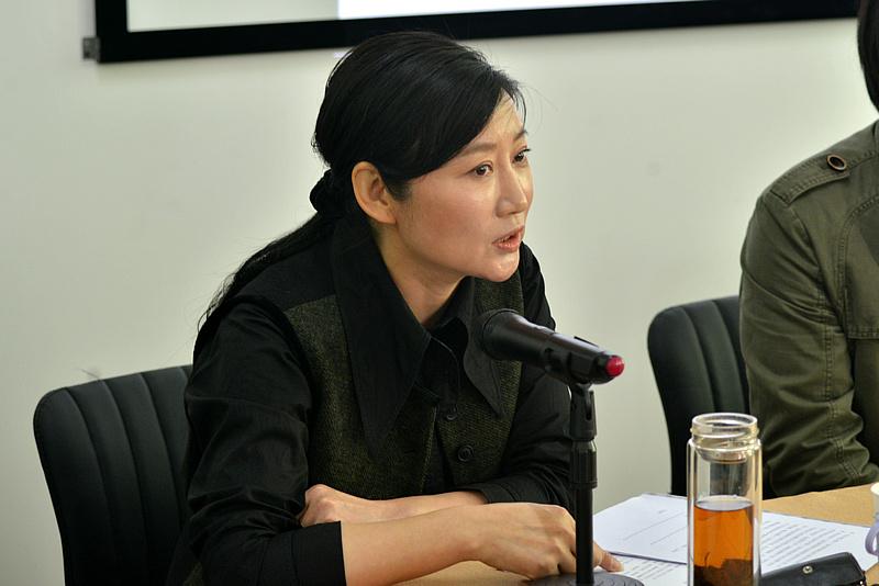 大会由静海书画院院长赵红云主持。