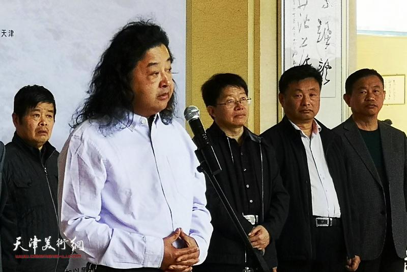 山东省美术家协会第五、六届副主席上官超英致辞。