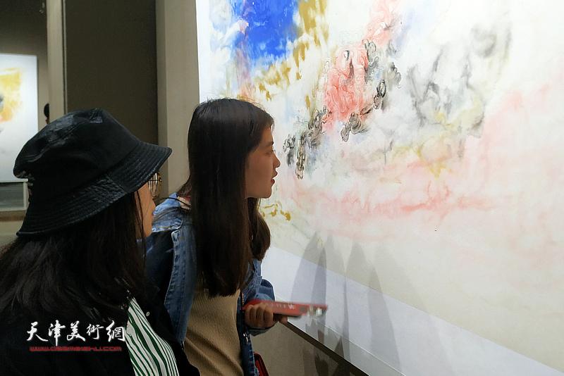 """""""墨展凝香——李寅虎作品展""""现场。"""