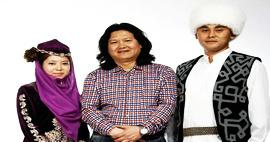 天津美院教授曹敬钢现代撒拉族服饰设计展在台湾举行