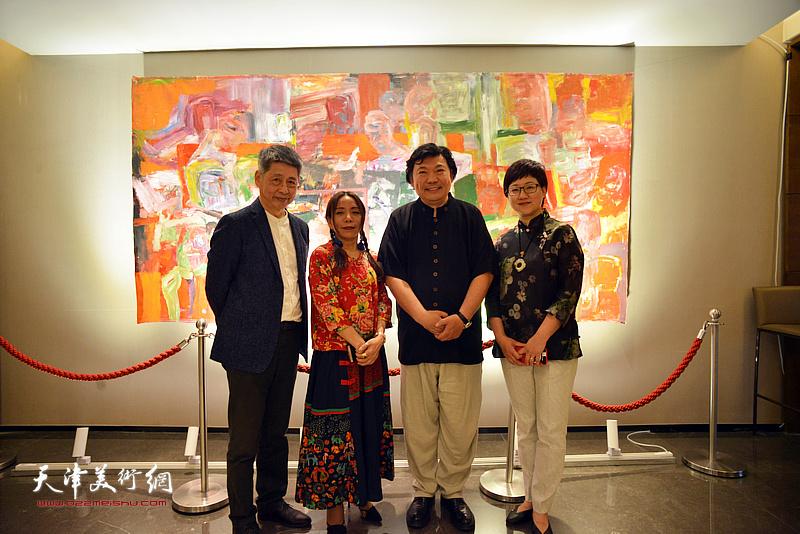秀夫、淋子与樊奇为、腾桓在活动现场。