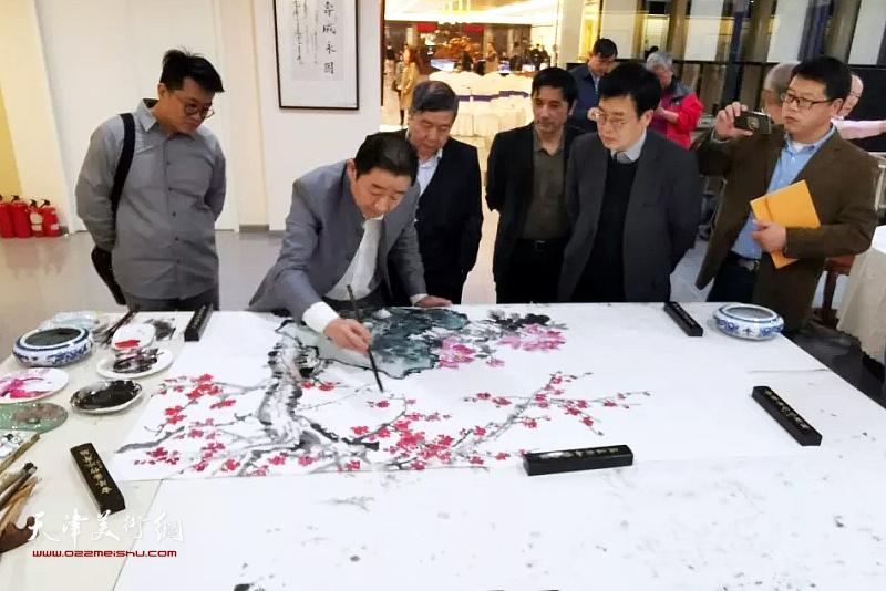爱新觉罗・毓峋、爱新觉罗・毓震峰、爱新觉罗・毓��、爱新觉罗・伯骧在笔会雅集现场