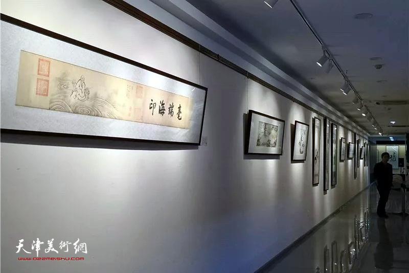 爱新觉罗画派原作展现场。