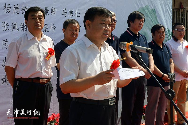高唐县委副书记、宣传部长孙荣军致辞。