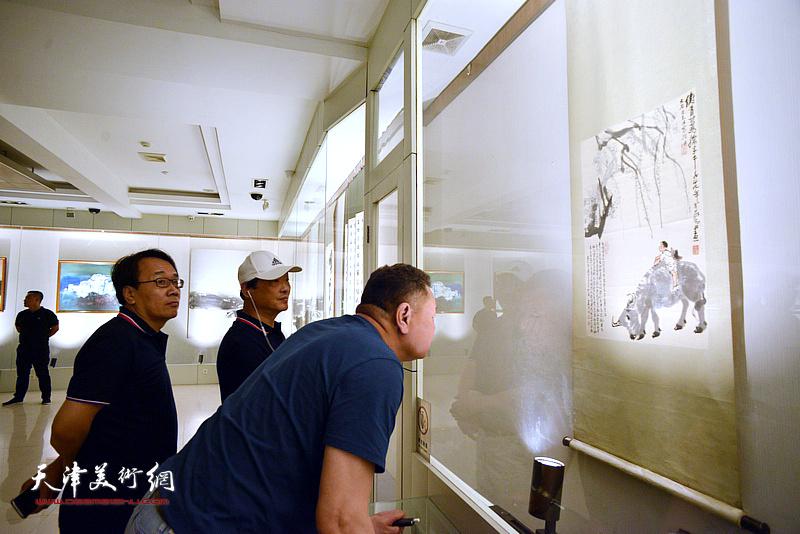 刘志君、张晓彦在孙大石美术馆。