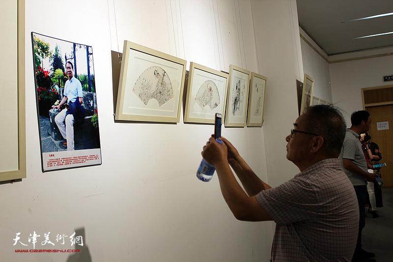 天津巨龙画院2019时贤墨妙—天津名家作品展现场。