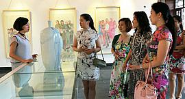 旗袍,难舍的古典情怀 马兆琳水墨展在北塘古镇开幕