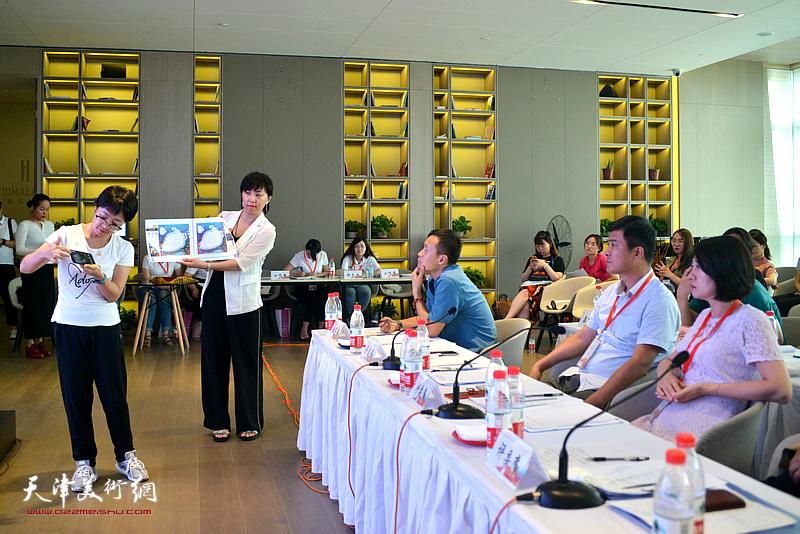 鲸宇(天津)科技有限公司选送的《熊奇奇与趣宝宝》项目路演。