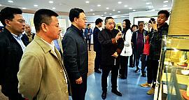 """第二届中国·天津""""大国工匠""""名家书画、艺术品主题展在津拉开帷幕"""