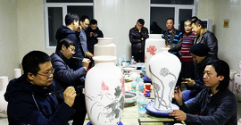 津门名家走进北方陶艺中心开展青花创作喜迎2019新年