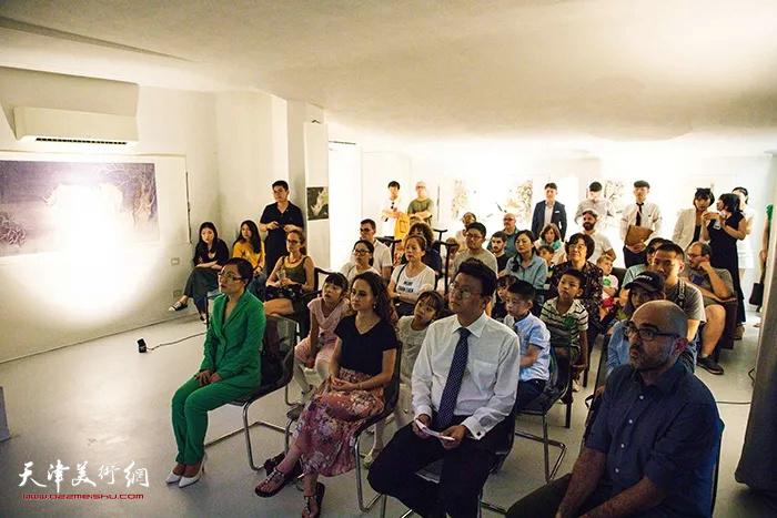 澄怀味象—张超意大利米兰绘画作品展在米兰国际艺术中心开幕。