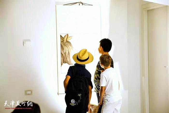 澄怀味象—张超意大利米兰绘画作品展现场。