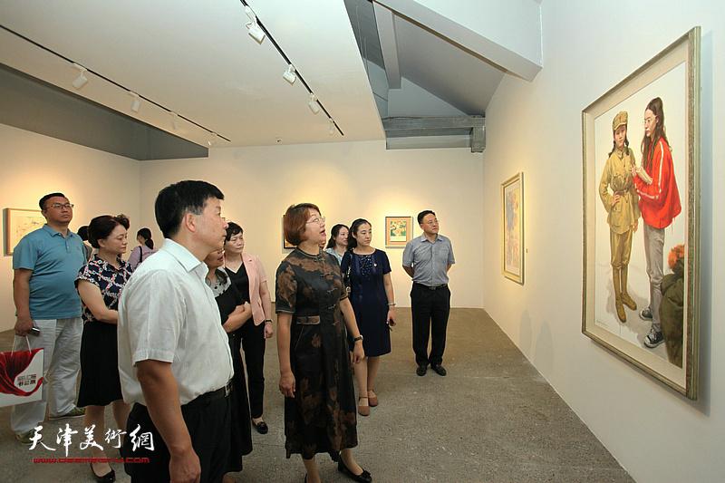 河北区统一战线迎新中国成立70周年书画作品展在北宁公园开幕