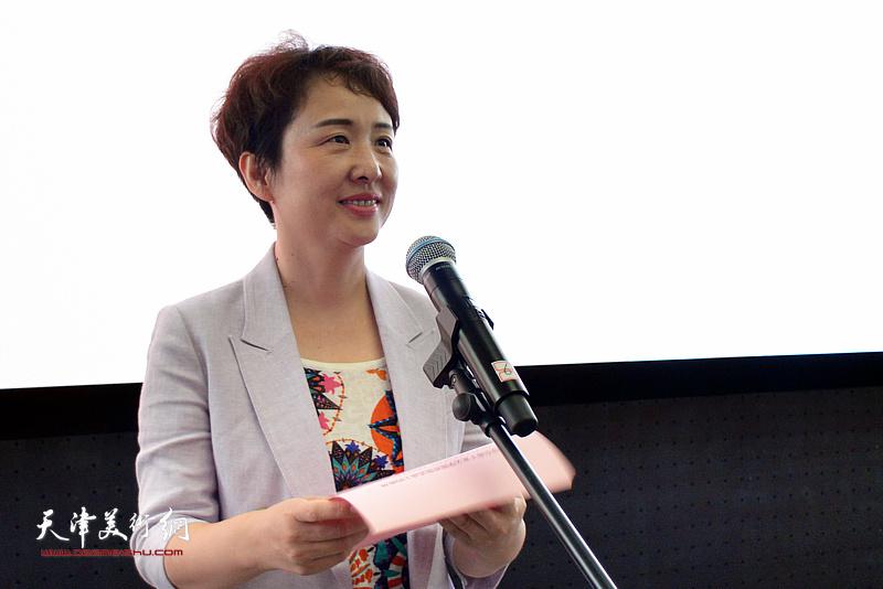 滨海新区副区长梁春早在揭牌仪式上致辞。