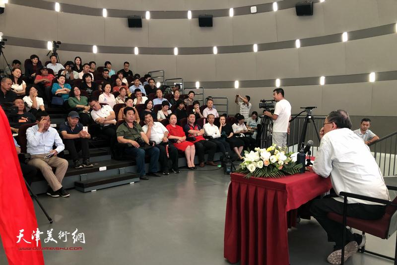 蒋子龙先生为蒋子龙文学馆作了首场公益文学讲座《文学的社会性》。