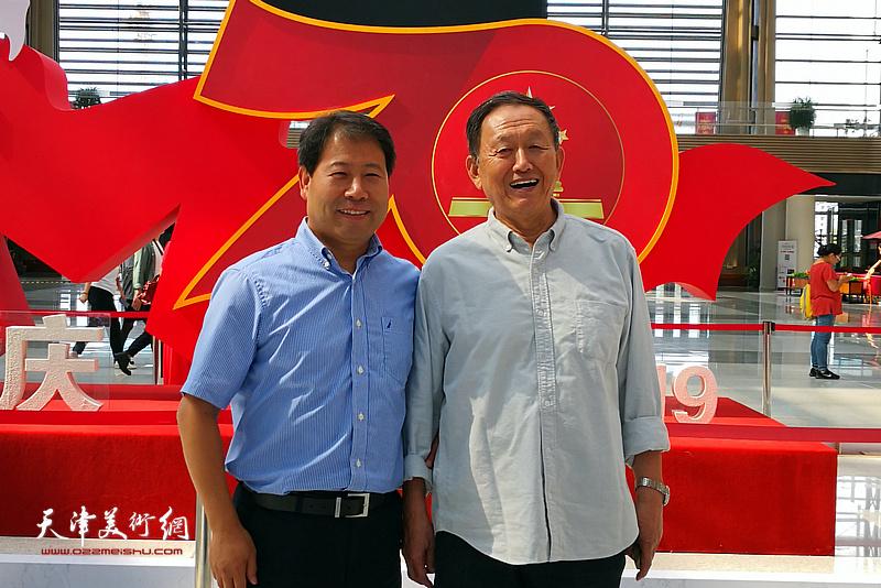蒋子龙先生与王会臣在活动现场。