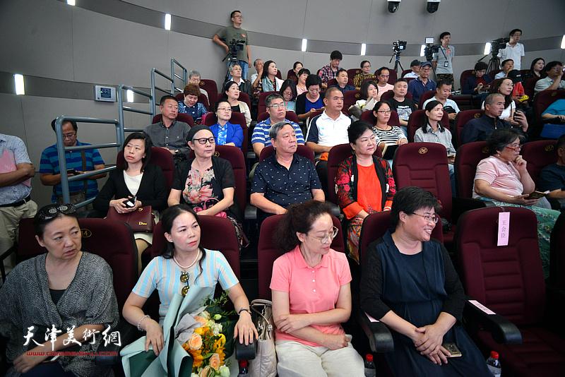 蒋子龙文学馆揭牌暨首场公益文学讲座活动现场。