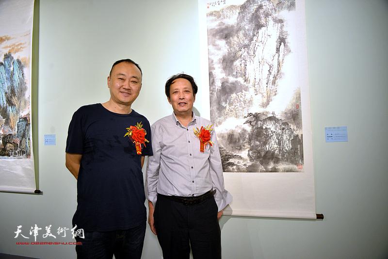 杨永茂、柴博森在润松美术馆。