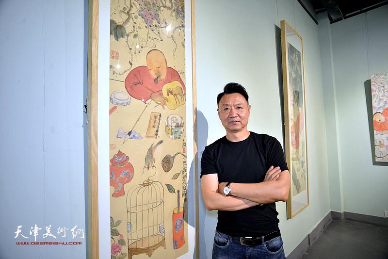李旺在展览现场。