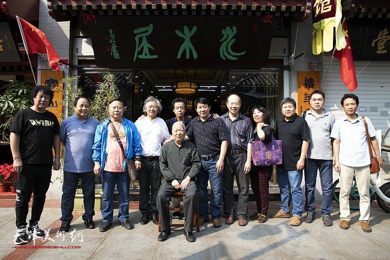 天津美术学院主云龙教授作品展在鼓楼水木居开幕