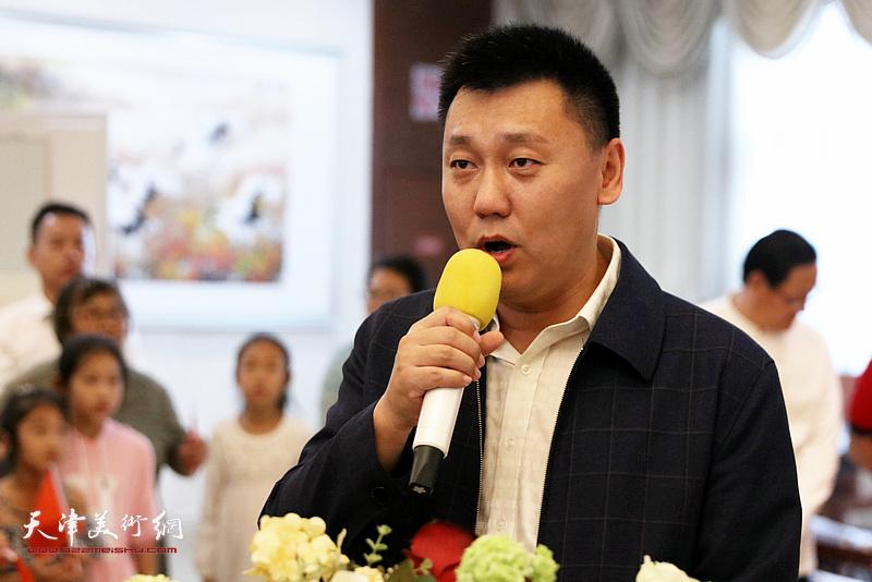 中新天津生态城管理委员会副主任杨坡致辞
