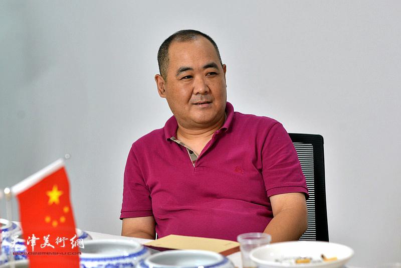 今晚文化传播有限公司总经理刘忠荣发言。