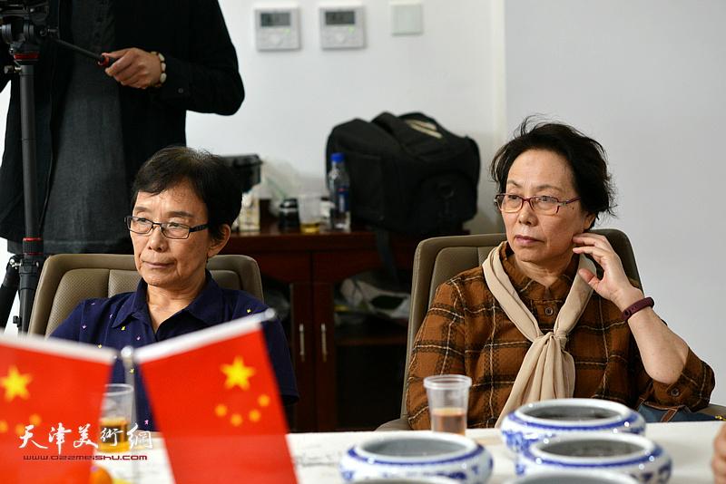 萧惠珠、崔燕萍在联谊活动现场。