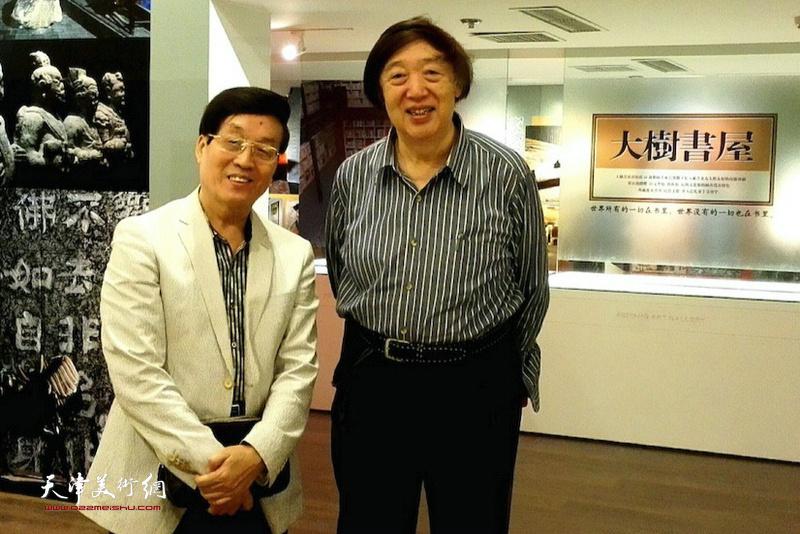 杜仲华采访冯骥才。