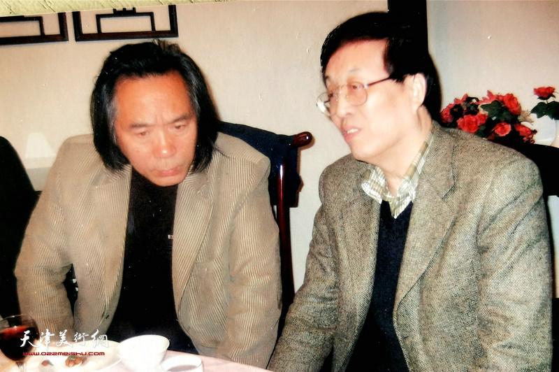 杜仲华采访霍春阳。