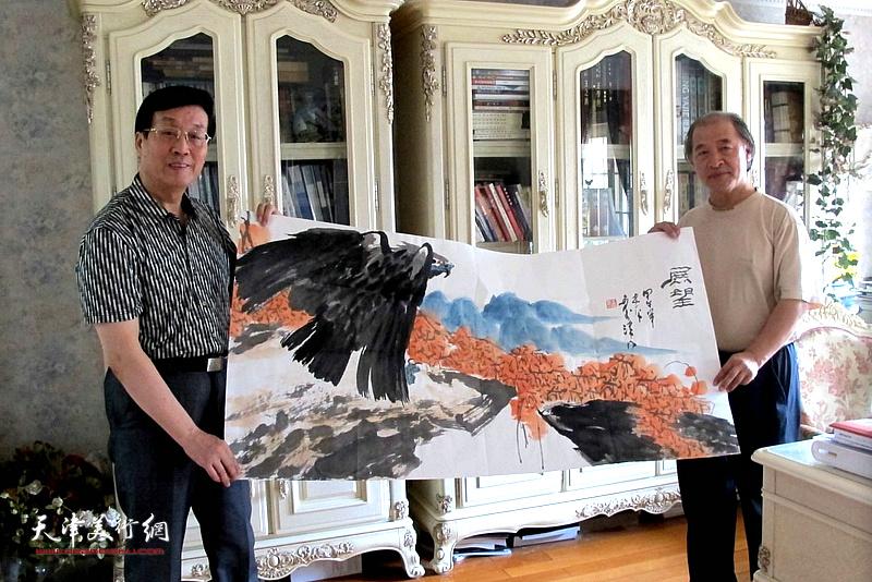 杜仲华采访王书平。